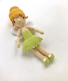 Tinkerbell is ready for saturday's workshop! #amigurumi #crochet #disney #characterdesign #crochet #crochetpattern #hallazgosemanal #tinkerbell #ganchillo #あみぐるみ #Hollywood #weamiguru #uncinetto #haken
