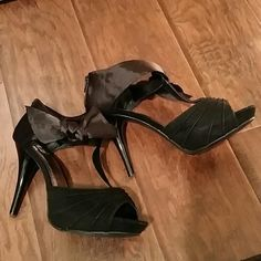 "Black satin and velvet bow heels sz 10 Like new, worn once, no damage or stains. Velvet T strap heels with satin bow detail around ankle.  4.5"" heel with 1"" platform.  Zipper in back of heel.  Size 10. Perfect party shoe!  By Olsenboye.   No trades. Olsenboye Shoes Heels"