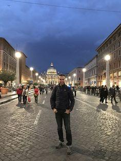 Arkamda Saint Pietro Bazilikası