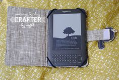 Great idea for a Nook/Kindle case...now if I was just better at sewing and/or had a sewing machine!