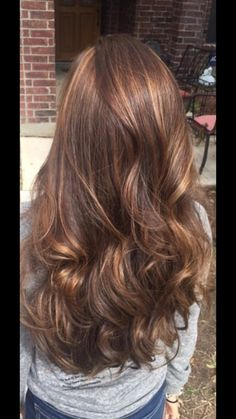 Hair color/style light brown with highlights cute for summer
