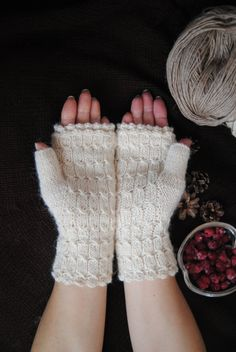 Mitts with siberian bear by FoxyChest on Etsy