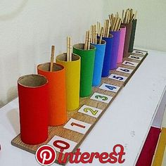Count from 0 to 9 with colored boxes. Counting Sticks (spindle box inspired) – Easy Pin – The best ideas Kids Crafts, Summer Crafts For Kids, Math For Kids, Preschool Crafts, Fun Math, Preschool Learning Activities, Preschool Classroom, Kindergarten Math, Preschool Activities