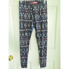 tribal leggings! Brand new never worn! Can fit a small! Pants Leggings