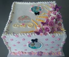 Elsa & pink flowers cake