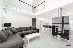 Moderni olohuone, lasikaide | Etuovi.com Sisustus House Plans, Sectional, Decor, Home, House Design, Sweet Home, Furniture, Sectional Couch, Room