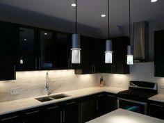 siyah mutfak dolapları ile trend ve şık mutfak dekorasyonları