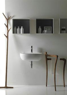 Modern rustic bathroom minimalist bathroom design ideas minimalist bathroom bathroom furniture and minimalist bathroom modern rustic bathroom decor Small Bathroom Mirrors, Bathroom Sink Design, Rustic Bathroom Designs, Rustic Bathrooms, Wood Bathroom, Simple Bathroom, Bathroom Ideas, Bathroom Lighting, Bathroom Towels