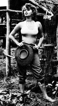 Even then she had  street style ...Sophia Lauren