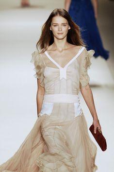 Chloé at Paris Fashion Week Fall 2005 - Runway Photos