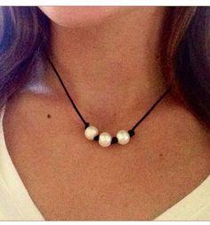 Gargantilla triple cuero perla por AlliesCharms en Etsy