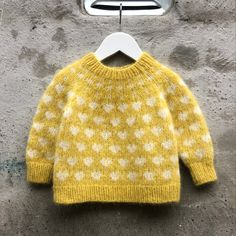Kids Knitting Patterns, Knitting For Kids, Knitting Projects, Crochet Baby, Knit Crochet, Knitted Baby Clothes, Baby Knits, Toddler Sweater, Baby Sweaters