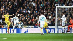 Mario Mandzukic of Juventus scores his sides second goal during the UEFA Champions League Quarter Final Second Leg match between Real Madrid and Juventus at Estadio Santiago Bernabeu on April 11, 2018 in Madrid, Spain.