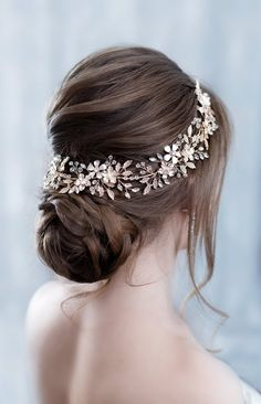 Wedding headband Crystal hairpiece Rhinestone headpiece Flower Bridal Headpiece With Crystals Wedding hair accessories Bridal hair piece Details: length of the product product width This accessory is made of numerous flowers, lea Wedding Headband, Bridal Braids, Bridal Headpieces, Bridal Updo, Loose Hairstyles, Bride Hairstyles, Updos Hairstyle, Celebrity Hairstyles, Headband Hairstyles