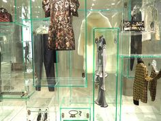 Louis Vuitton - Bella momento | Beauty, Fashion & Lifestyle : Louis Vuitton - Series 3 exhibition