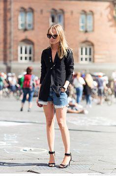 Parisienne: single-strap sandals
