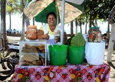 María Eugenia Soto, en Puntarenas, no duda del buen sabor de sus vigorones, incluso tiene clientes que se han comido tres  en un almuerzo.