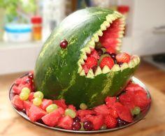Gezonde traktatie voor kids: fruit shark.:-)