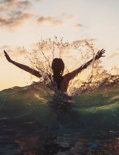 Reminds me of how Sandi loves to play in the surf! Summer Of Love, Summer Fun, Summer Beach, Summer Goals, Enjoy Summer, Happy Summer, Beach Fun, Summer 2014, Jolie Photo