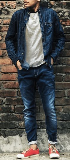 T-shirts, leggings, service casual, and bags are college fashion fundamentals. Stay on pattern this school year with the current 2019 college fashion . Mens College Fashion, Mens Fashion Blog, Fashion Outfits, Fashion Trends, Fashion Ideas, Men's Fashion, School Outfits For College, College Style, Trendy Looks For Men