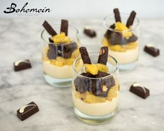 Bohemein's White Chocolate Bavarois with Pineapple Black Pepper Compote and … Bohemein's White Chocolate Bavarois mit Ananas-Schwarzpfeffer-Kompott und Keksen / Moore Wilson's – Moore Wilson's White Chocolate Cookies, Home Baking, Recipe Collection, Tray Bakes, Baking Soda, Pineapple, Wine Direct, Stuffed Peppers, Pepper