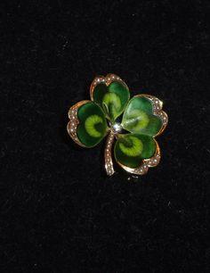 BEAUTIFUL ART NOUVEAU Gold Enamel SHAMROCK Pin Brooch  Floral DIAMOND PEARLS