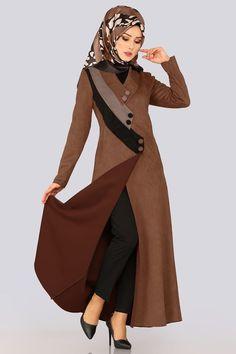FERACE Tricolor Wildleder Ferace Kaffee, von Ich Source by tesetturlumodeller Abaya Fashion, Muslim Fashion, Modest Fashion, Girl Fashion, Fashion Dresses, Womens Fashion, Abaya Designs, Abaya Mode, Ladies Coat Design