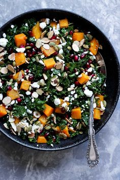 Butternut Squash and Kale Salad with Pomegranate, Toasted Almonds + Goat Cheese Healthy butternut squash and kale salad with pomegranate, goat cheese and almonds! A great salad during the holiday season. Easy to make and SO delicious! Good Healthy Recipes, Vegetarian Recipes, Free Recipes, Vegetarian Dinners, Healthy Food, Health Recipes, Healthy Meals, Paleo, Toasted Almonds