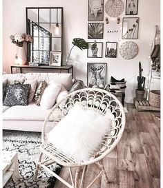 Ideal for apartment living beautiful, clean, boho living room. Ideal for apartment living Living Room Inspiration, Home Decor Inspiration, Living Room Decor, Bedroom Decor, Bedroom Ideas, Living Room Artwork, Decor Room, Living Rooms, Salons Cosy