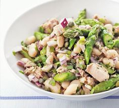 Tuna, asparagus & white bean salad    1 large bunch asparagus   2 x 200g cans yellowfin tuna steaks in water, drained   2 x 400g cans cannellini beans in water, drained   1 red onion , very finely chopped   2 tbsp capers   1 tbsp olive oil   1 tbsp red wine vinegar   2 tbsp tarragon , finely chopped