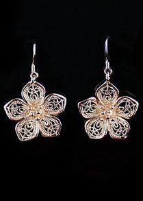 Gold Hollow Flower Dangle Earrings WIRE INSPIRATION