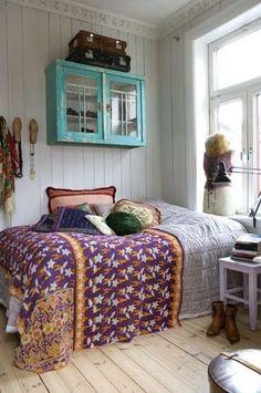 ぜひ参考にしたい!海外のシャビーシックなベッドルーム例 62の画像 | 賃貸マンションで海外インテリア風を目指すDIY・ハンドメイドブログ<p…