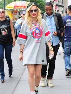 Rita Ora, T-shirt dress