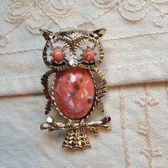 Vintage Owl brooch pin Owl pin Owl Owls vintage owl by DuckCedar
