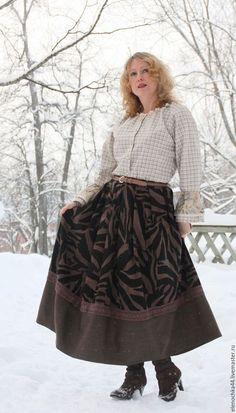 Длинная теплая юбка в магазине