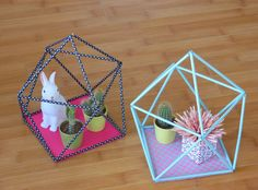 "DIY ""terrarium"" -the instructions are in French, but the pictures are fairly self explanatory. Cool Diy, Diy Projects To Try, Craft Projects, Diy For Kids, Crafts For Kids, Diy Straw, Creation Deco, Terrarium Diy, Diy Origami"