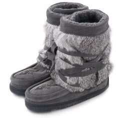 Traditionally worn for hunting in the snow, Canadian Aboriginals have been enjoying the warmth and comfort of Manitobah Mukluks for hundreds of years. - http://momsmags.net/top-10-best-manitobah-mukluk-boots-women/