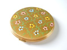 Vintage Ladies Compact • Women's Powder Compact • Gold Color Painted On Flowers by HazeyJaneVintage on Etsy