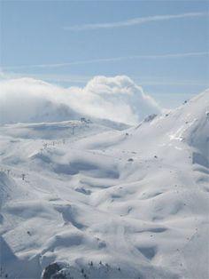 Formigal unas buenas pistas  , Pirineo de  Huesca Spain