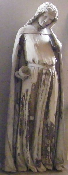 Foolish Virgin, 1250, Magdeburg Cathedral; http://www.themcs.org/costume/14th%20century%20Female%20Clothing.htm