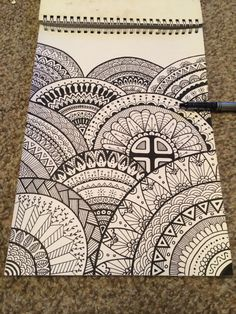 31 Ideas for doodle art ideas draw zentangle patterns Mandala Doodle, Easy Mandala Drawing, Mandala Art Lesson, Mandala Artwork, Doodle Art Drawing, Cool Art Drawings, Art Drawings Sketches, Zentangle Drawings, Zentangle Patterns