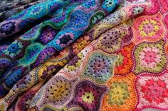 8395109_crochet-club-janie-crow-and-the-fridas_tb90866bc.jpg (800×533)