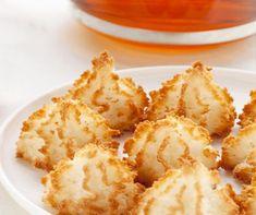 Recette de Rochers coco : la recette facile Ingrédients : 4 blancs d'oeufs 200 g sucre semoule 260 g noix de coco Préparation : Battre les blancs d'oeufs à la fourchette ou au batteur jusqu'à ce qu'il