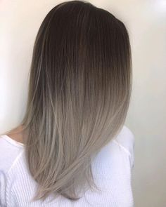 "13k Likes, 108 Comments - BLONDING SPECIALIST (@lisalovesbalayage) on Instagram: ""TBT....to this melty, ashy, goodness Formula deets: base @oligopro calura color 5NB Mids-Ends:…"""