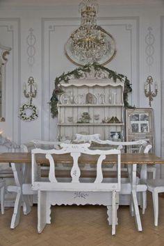 buffet salle à manger, déco salle à manger shabby chic en bois et peinture blanche