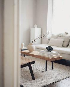 "BEMZ auf Instagram: ""@lepetitfika 's gorgeous light filled London abode is a minimalist's dream | Seen here: an IKEA Söderhamn sofa with a Bemz cover in Natural…"" Scandinavian Furniture, Ikea, Table, Design, Serenity, Home Decor, Bath, Interiors, Gallery"