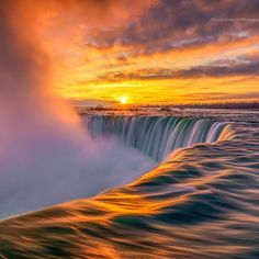 Unforgettable Sunrise Niagara Falls, Ontario. | Photo by @busoy17