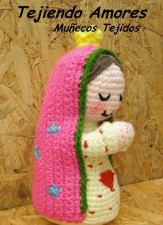 Denise Savard's media content and analytics Crochet Amigurumi, Amigurumi Doll, Crochet Dolls, Knit Crochet, Crochet Hats, Crochet Christmas Ornaments, Holiday Crochet, Crochet Designs, Crochet Patterns