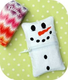 In the hoop Snowman Tissue Holder