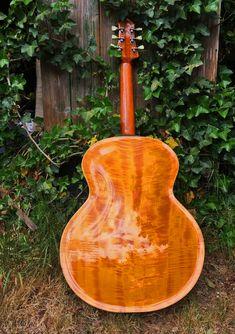 Archtop Theo Scharpach - Theo Scharpach Archtop Guitar, Acoustic Guitar, Diverticulitis Symptoms, Building, Wood, Woodwind Instrument, Buildings, Timber Wood, Acoustic Guitars
